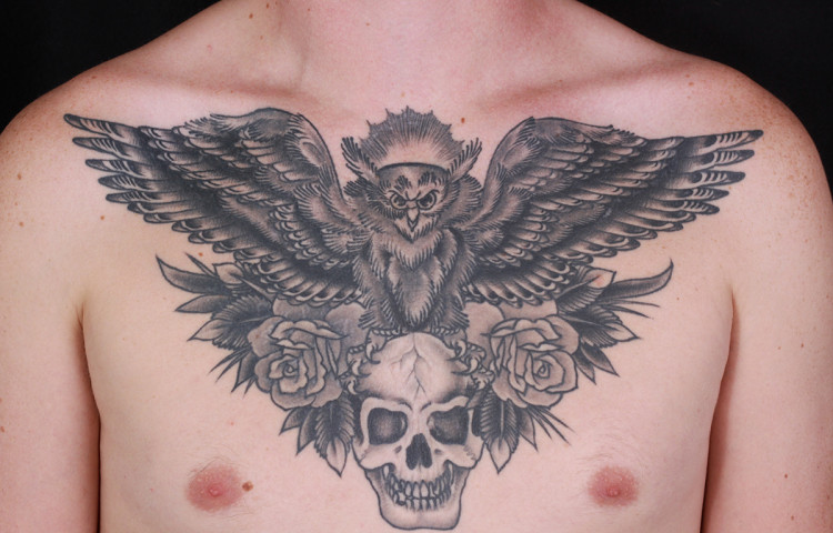 haley-mcmahon-dedication-tattoo-black-and-grey-owl-skull-roses-chest