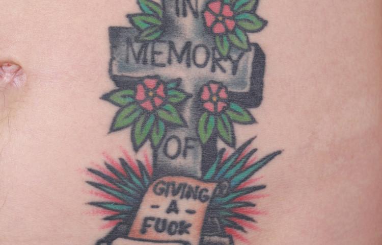 haley-mcmahon-dedication-tattoo-traditional-memorial-cross-stomach