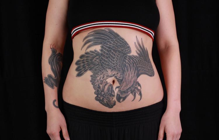 brian-thurow-dedication-tattoo-stomach-black-and-grey-eagle-anatomical-heart