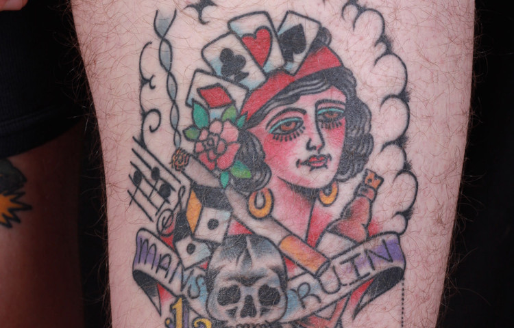 haley-mcmahon-dedication-tattoo-mans-ruin-traditional-skull-spider-girl-thigh