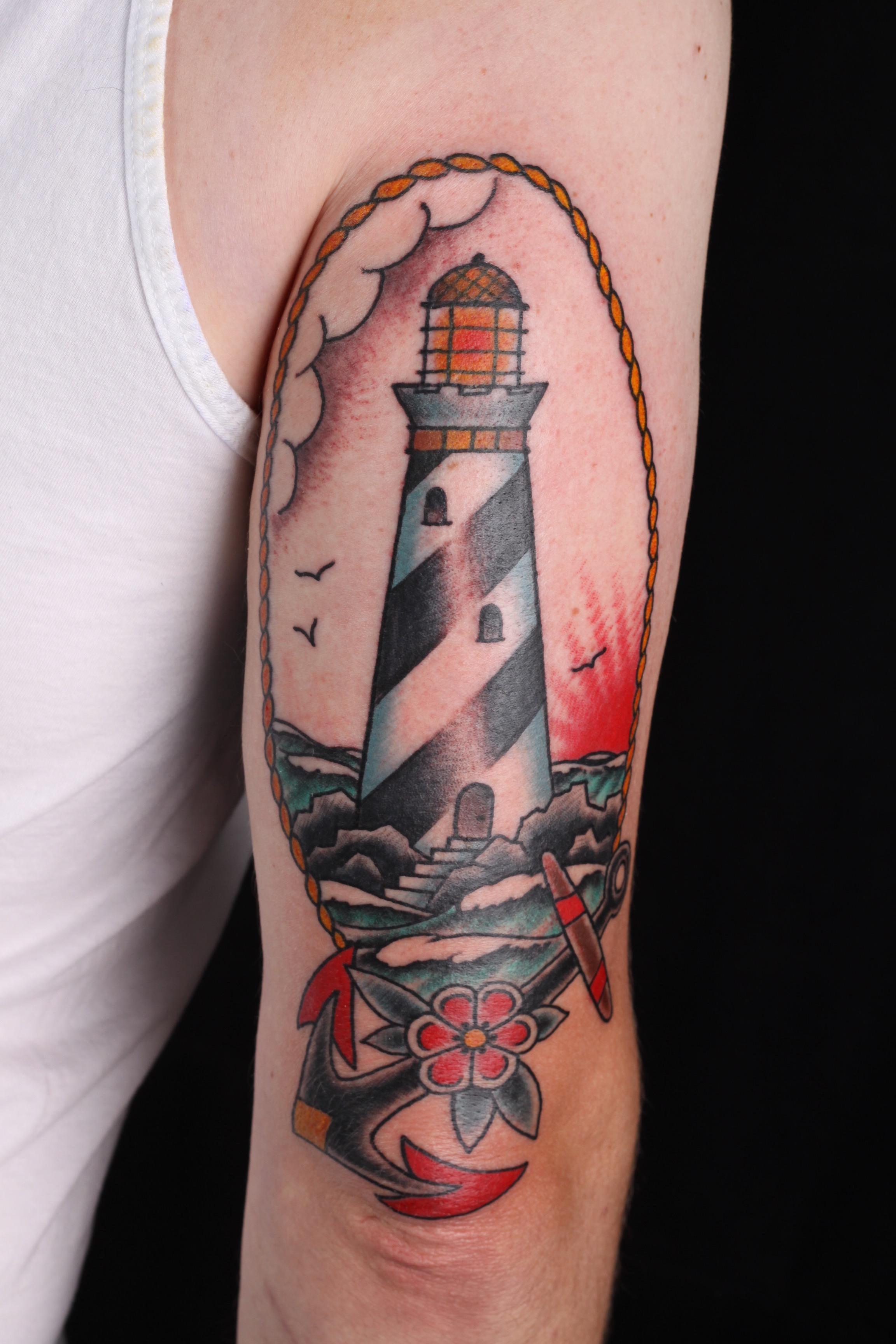 sam-yamini-dedication-tattoo-traditional-lighthouse-anchor-arm